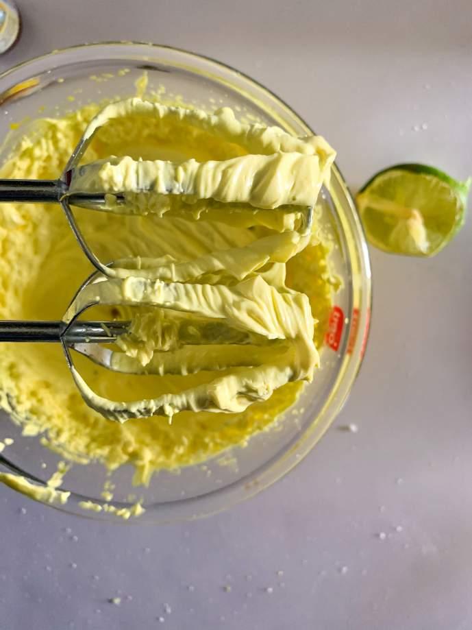 Lemon Buttercream Frosting - Recipe Magik